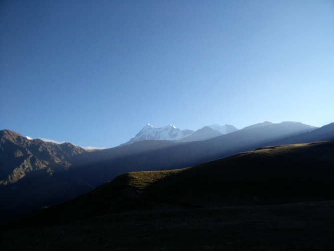 First rays of sun at Bedni Bugyal