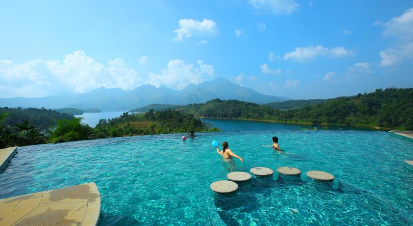 Resorts Near Wayanad Wayanad Sharoy Resort