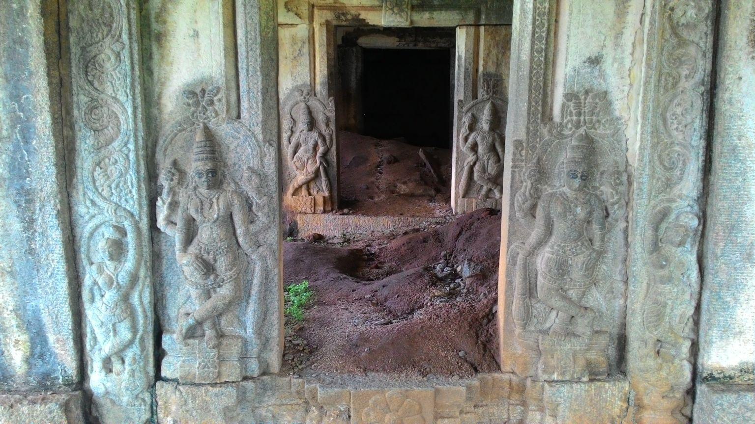 Nijagal Temple in ruins